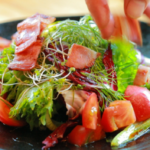上戸彩がよく行くお店!中目黒にある創作料理が楽しめるお店「自然薯 はた屋」